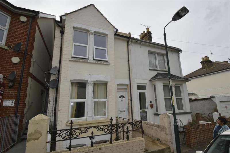 5 Bedrooms End Of Terrace House for sale in Purbeck Road, Chatham
