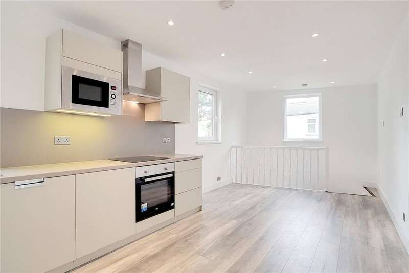1 Bedroom Flat for sale in Cann Hall Road, London, E11