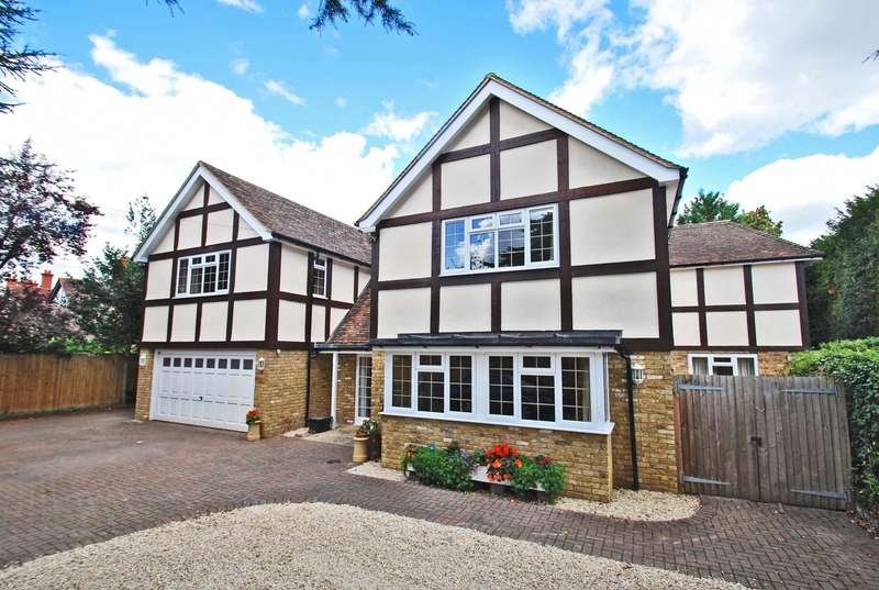 6 Bedrooms Detached House for sale in The Drive, Abbotsbrook, Bourne End, SL8