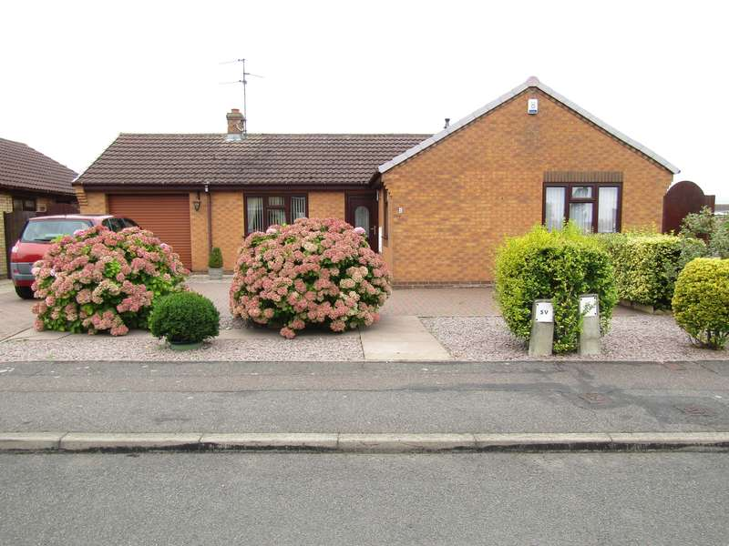 3 Bedrooms Bungalow for sale in Grebe Close, Whittlesey, PE7