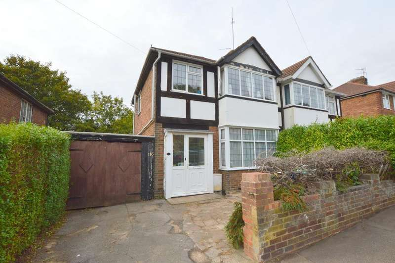 3 Bedrooms Semi Detached House for sale in Pomfret Avenue, Round Green, Luton, LU2 0JL
