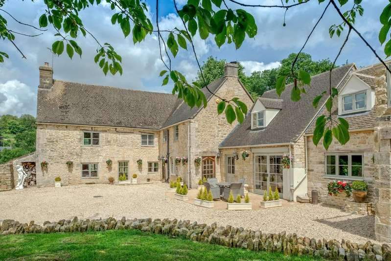 4 Bedrooms Detached House for sale in France Lynch