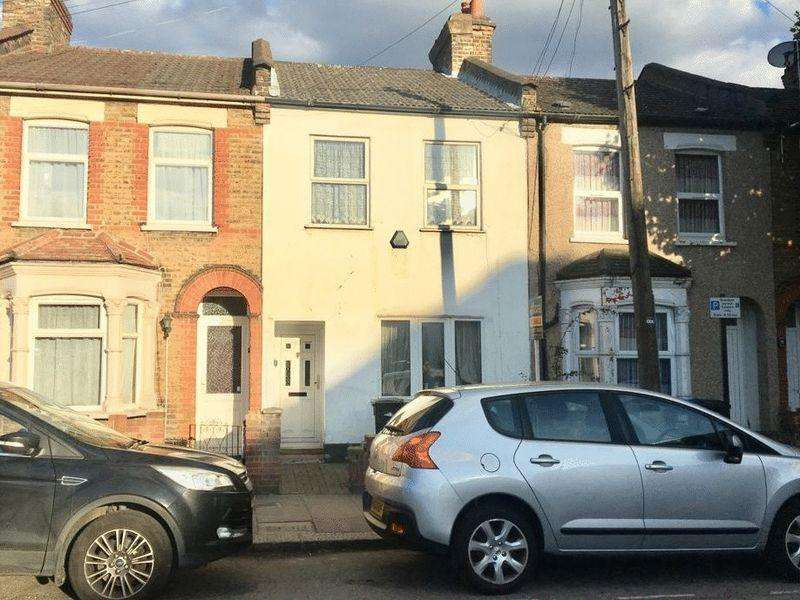2 Bedrooms Terraced House for sale in St. Martin's Road, London