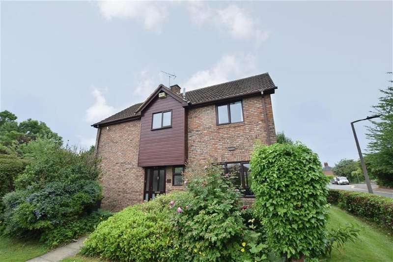 4 Bedrooms Detached House for sale in Common Lane, Tickhill, Doncaster, DN11
