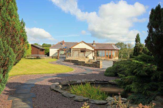 4 Bedrooms Detached House for sale in Llanpumsaint, Carmarthen, Carmarthenshire