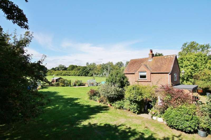 2 Bedrooms Detached House for sale in EAST WELLOW