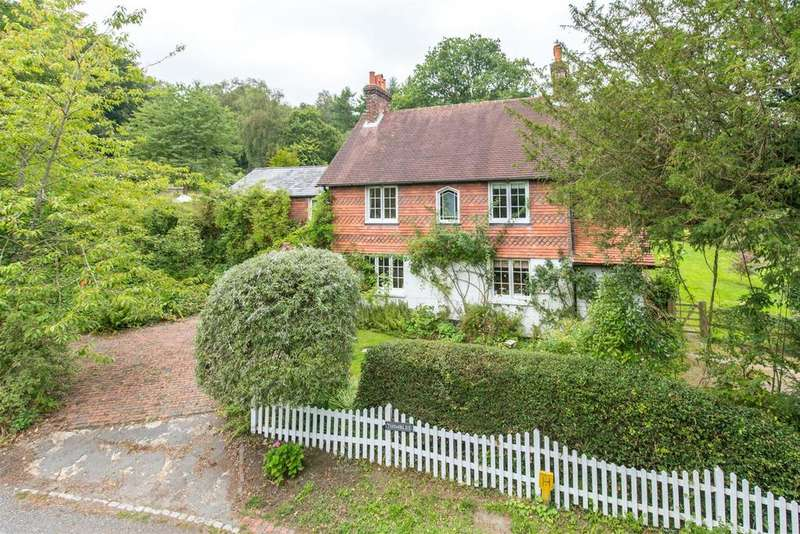 5 Bedrooms Detached House for sale in New Pond Hill, Cross in Hand