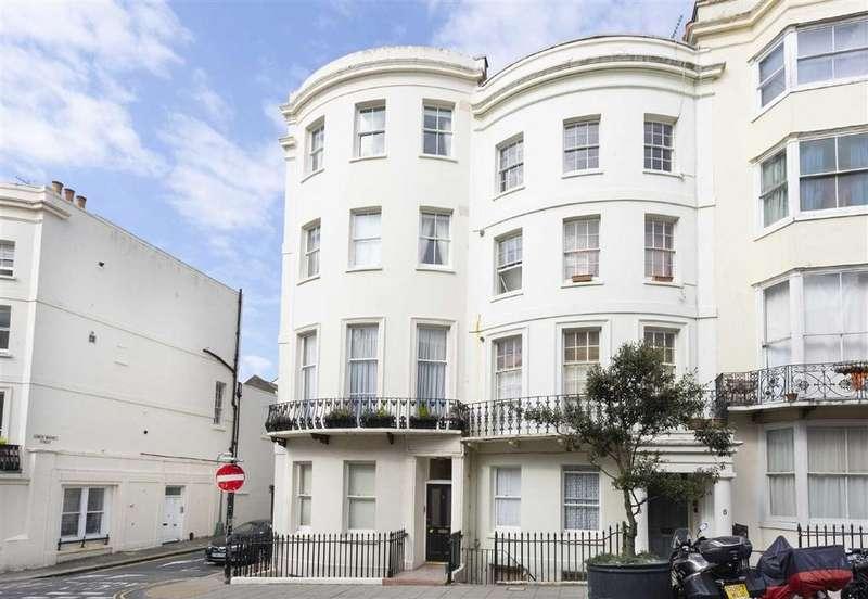 3 Bedrooms Maisonette Flat for sale in Waterloo Street, Hove, East Sussex