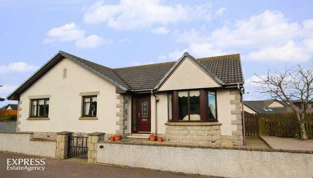 3 Bedrooms Detached Bungalow for sale in Cowie Crescent, St Fergus, Peterhead, Aberdeenshire