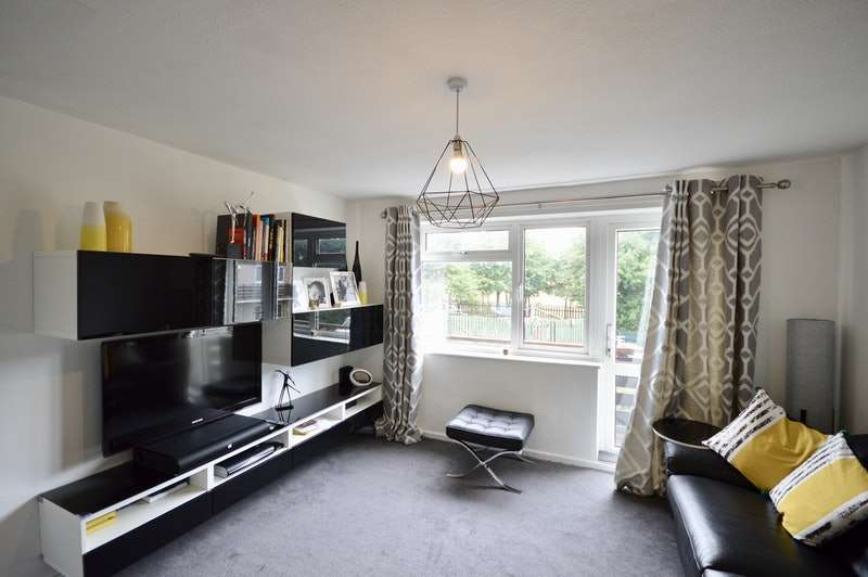 2 Bedrooms Maisonette Flat for sale in Shellard Road, Bristol, Gloucestershire, BS34