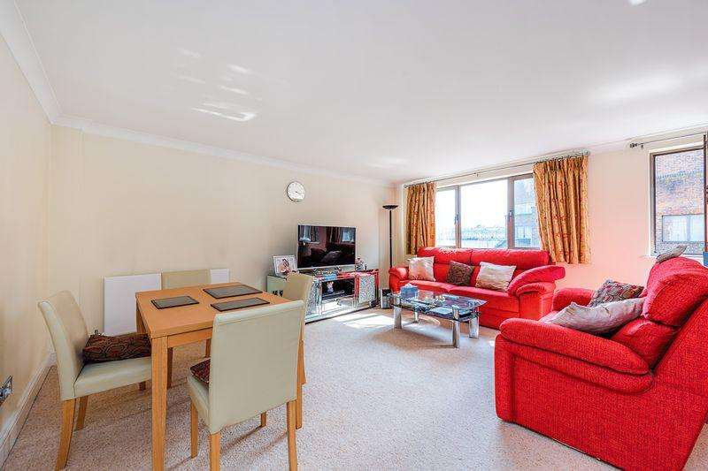 2 Bedrooms Apartment Flat for sale in Cumberland Mills Square, Isle of Dogs, E14