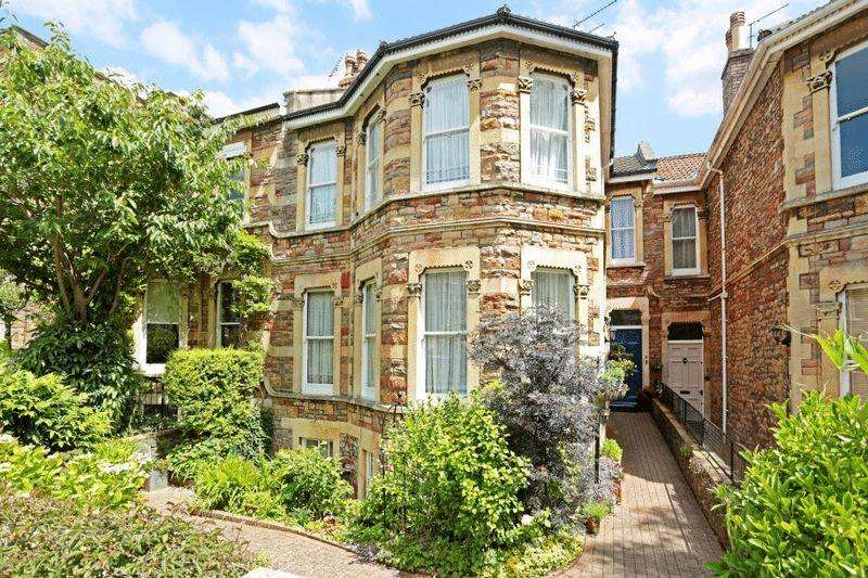5 Bedrooms Terraced House for sale in Beaconsfield Road, Clifton