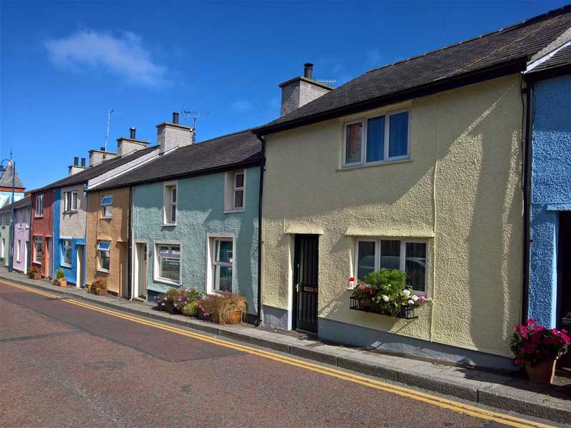 3 Bedrooms Terraced House for sale in High Street, Cemaes Bay