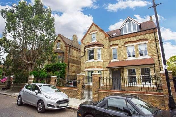 5 Bedrooms Detached House for sale in Grange Park, Ealing