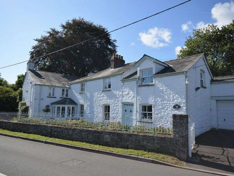 4 Bedrooms Property for sale in Llanellen, Abergavenny