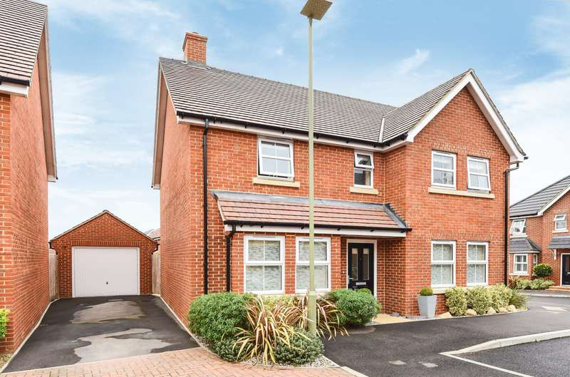 4 Bedrooms Detached House for sale in Lapwing Close, Emsworth, PO10