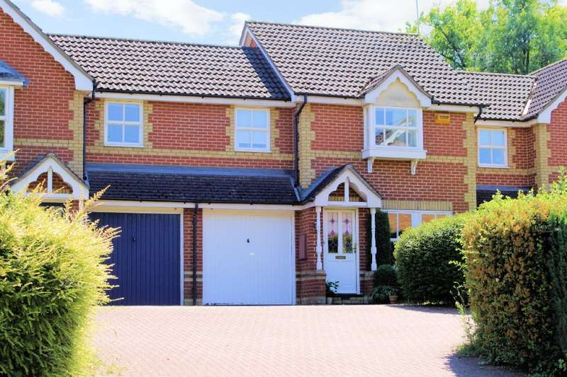 3 Bedrooms Terraced House for sale in Bryant Place, Purley On Thames, Reading, RG8