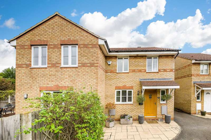4 Bedrooms Detached House for sale in Chicksands Ave, Monkston