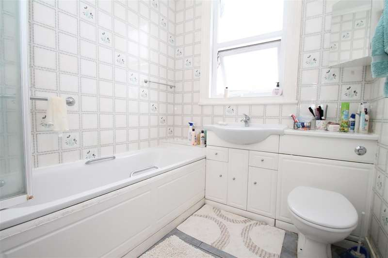 3 Bedrooms Terraced House for sale in Kelvin Avenue, Palmers Green, London N13