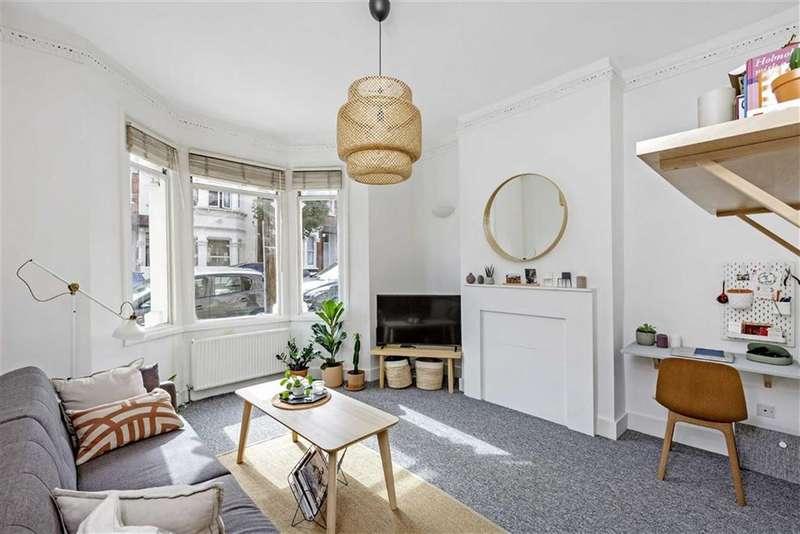 1 Bedroom Flat for sale in Aliwal Road, Battersea, SW11