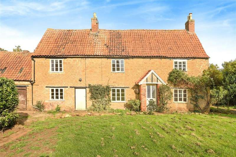 3 Bedrooms Detached House for sale in Woolsthorpe Lane, Harston, NG32