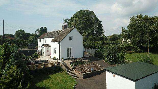 2 Bedrooms Detached House for sale in The Common , Woolaston, Lydney