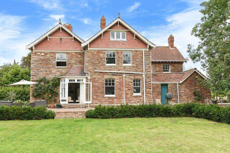 5 Bedrooms Detached House for sale in Bristol Road, Langford
