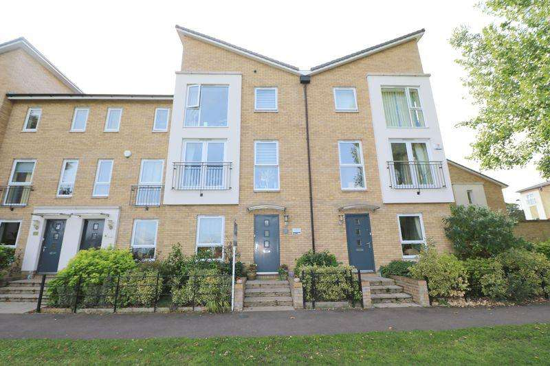 3 Bedrooms Terraced House for sale in Tanyard Place, Harlow