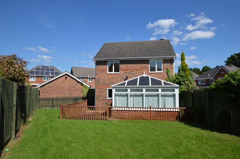 4 Bedrooms Detached House for sale in Shire Close, Morley LS27