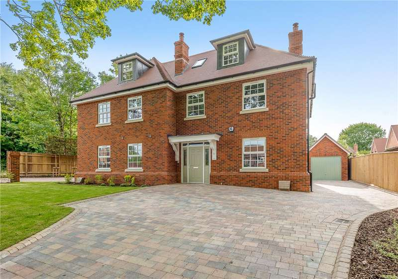 3 Bedrooms Semi Detached House for sale in Oliver's Battery Road North, Winchester, Hampshire, SO22