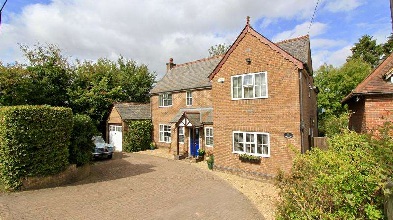 4 Bedrooms Detached House for sale in Ballinger Road, South Heath