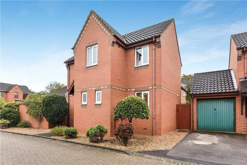 3 Bedrooms Detached House for sale in Hunsdon Close, Stantonbury Fields, Milton Keynes, Buckinghamshire