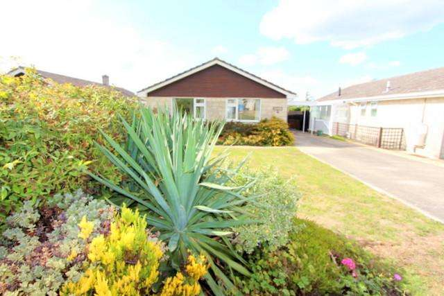 3 Bedrooms Detached Bungalow for sale in Marnhull, Dorset