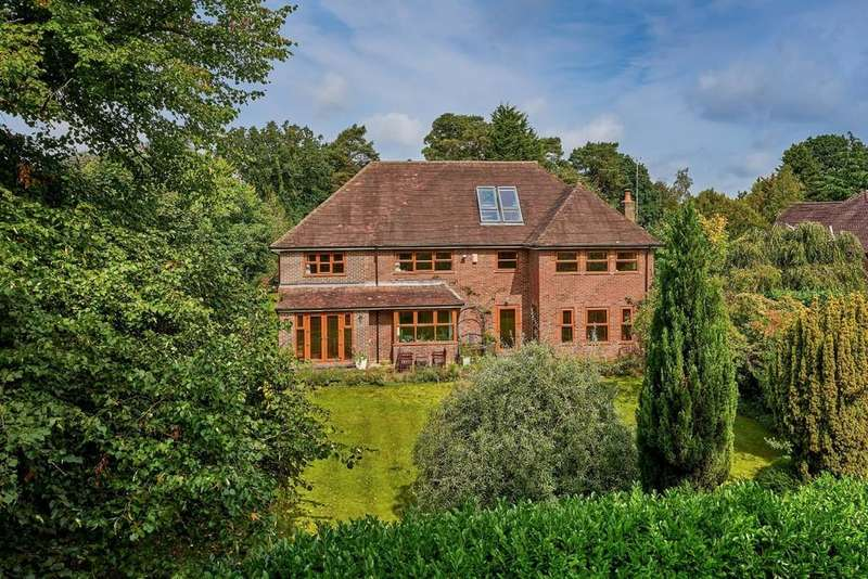 6 Bedrooms Detached House for sale in Greenhill Road, Farnham