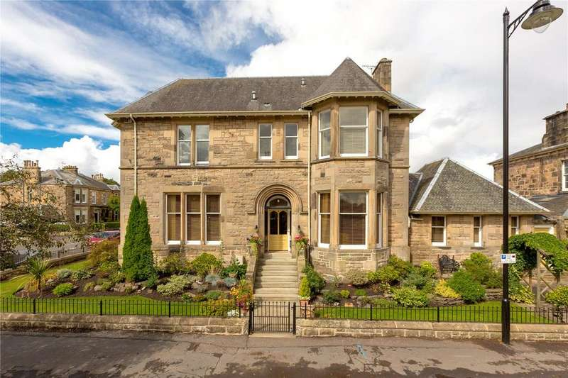 5 Bedrooms Semi Detached House for sale in Victoria Place, Stirling, FK8