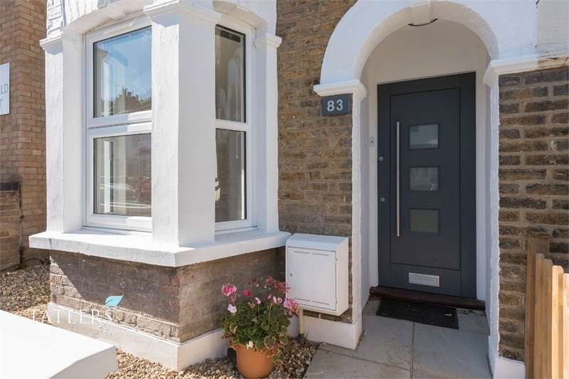 4 Bedrooms Semi Detached House for sale in Brackenbury Road, East Finchley, London