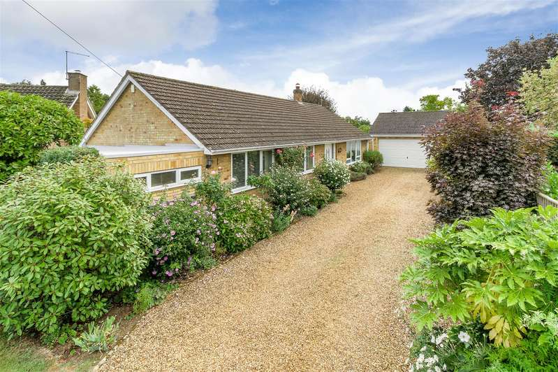 3 Bedrooms Detached Bungalow for sale in Rosedale, The Promenade, Wellingborough