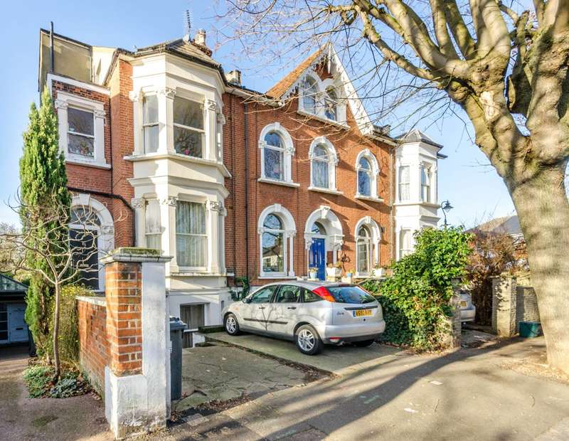 1 Bedroom Flat for sale in Avenue Crescent, Acton, W3