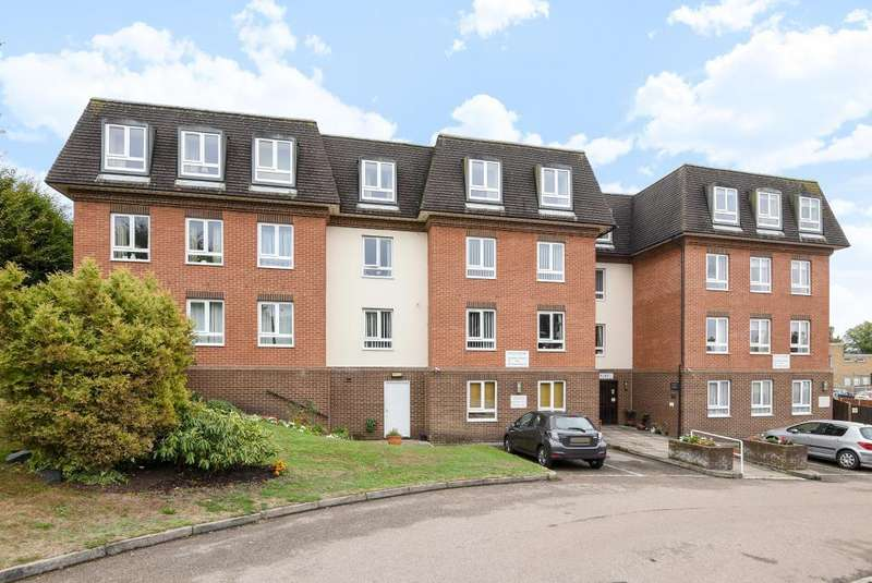 2 Bedrooms Retirement Property for sale in Crowthorne, Berkshire, RG45