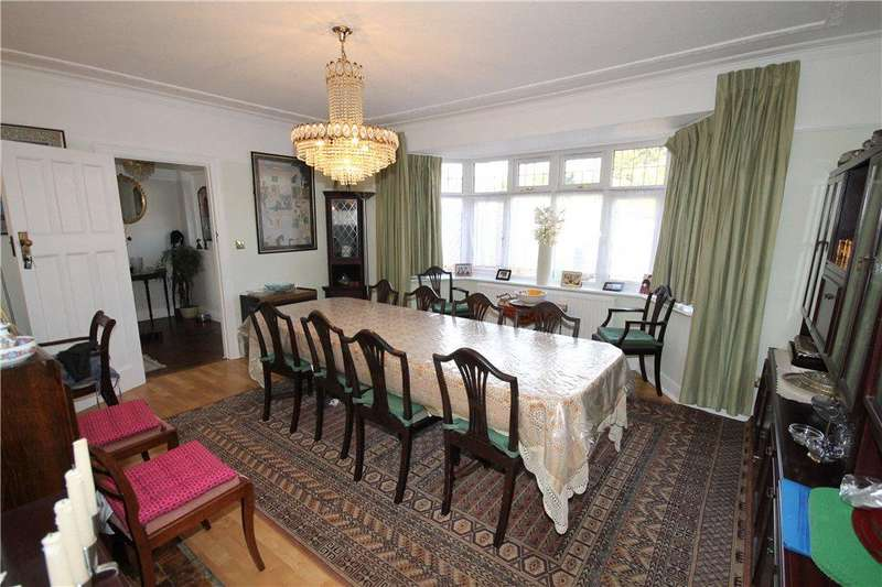 5 Bedrooms Detached House for sale in Leigham Avenue, London, SW16