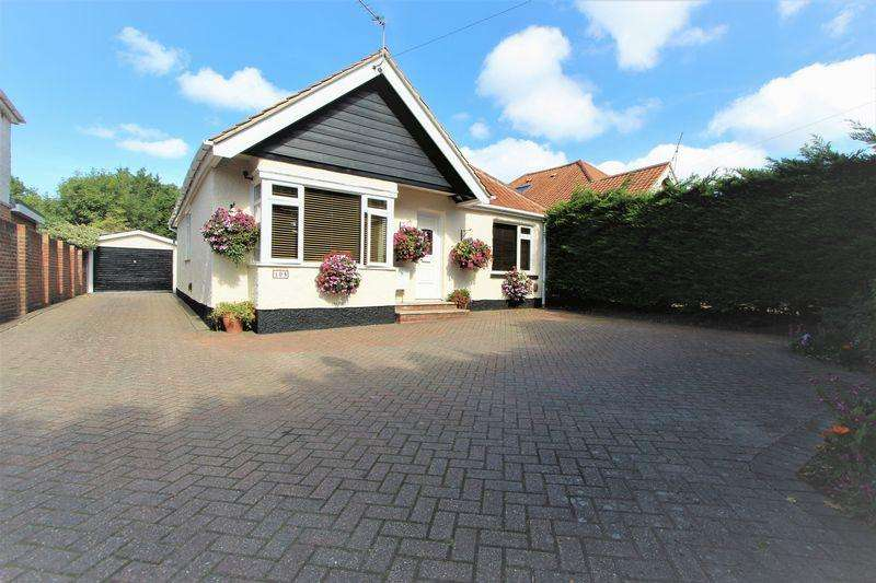 4 Bedrooms Detached Bungalow for sale in Botley Road, Southampton