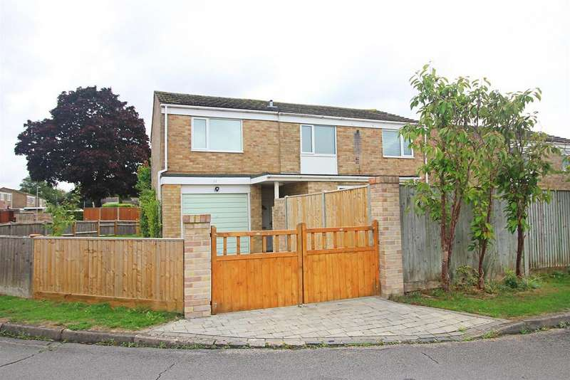 4 Bedrooms Detached House for sale in Abingdon Drive, Caversham Park Village, Reading