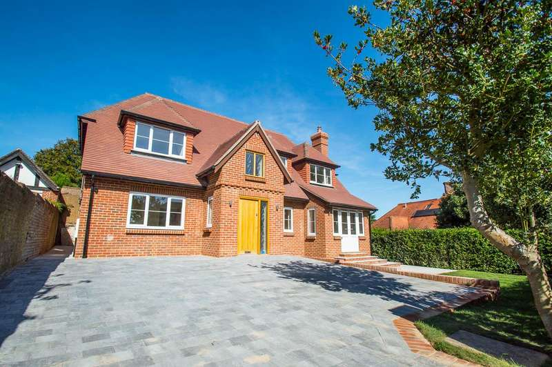 4 Bedrooms Detached House for sale in Ashburnham Road, Eastbourne