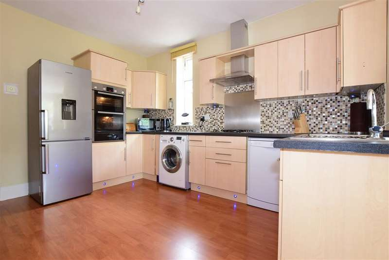 4 Bedrooms Detached House for sale in White Hart Lane, , Fareham, Hampshire