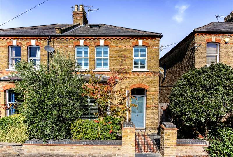 3 Bedrooms Semi Detached House for sale in St Marks Road, Windsor, Berkshire, SL4