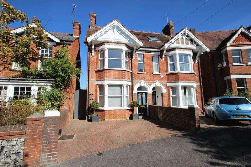 5 Bedrooms Semi Detached House for sale in Woodfield Road, Tonbridge