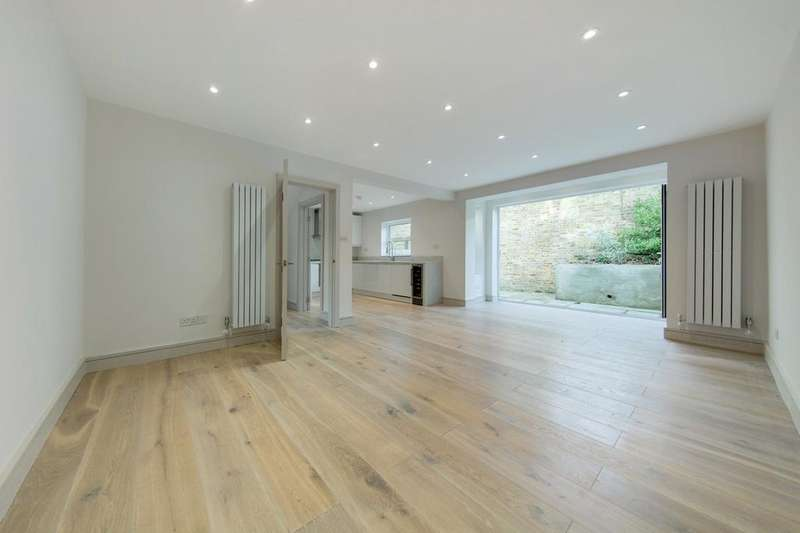4 Bedrooms Mews House for sale in Abberley Mews, London, London SW4