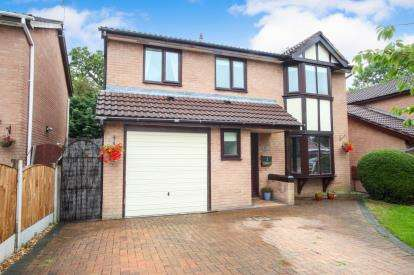 4 Bedrooms Detached House for sale in Tarn Close, Winsford, Cheshire