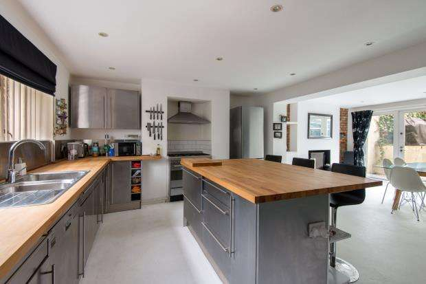 3 Bedrooms End Of Terrace House for sale in Rochester Square, Camden, London, NW1
