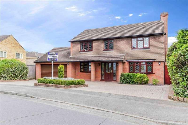 4 Bedrooms Detached House for sale in Almond Grove, Hempstead